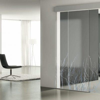 Foto 1 de puerta corredera de la marca Profiltek, modelo Luxor, en cristalería JCD de Madrid