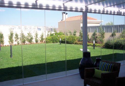 Foto 1 de cerramiento de la marca Saheco, modelo Parking Glass, en cristalería JCD de Madrid