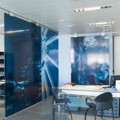 Foto 1 de puerta corredera de la marca Saheco, modelo Classic Glass, en cristalería JCD de Madrid