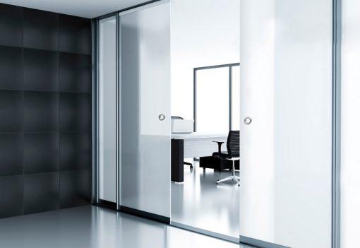 Foto 1 de puerta corredera de la marca Saheco, modelo Tiradores Glass, en cristalería JCD de Madrid